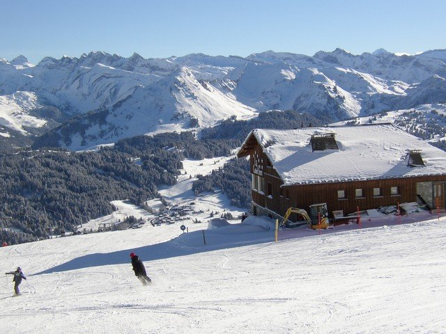 What makes Les Gets so perfect for ski chalet short breaks?